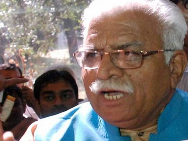 Manohar Lal Khattar agrees to meet Arvind Kejriwal to discuss stubble burning