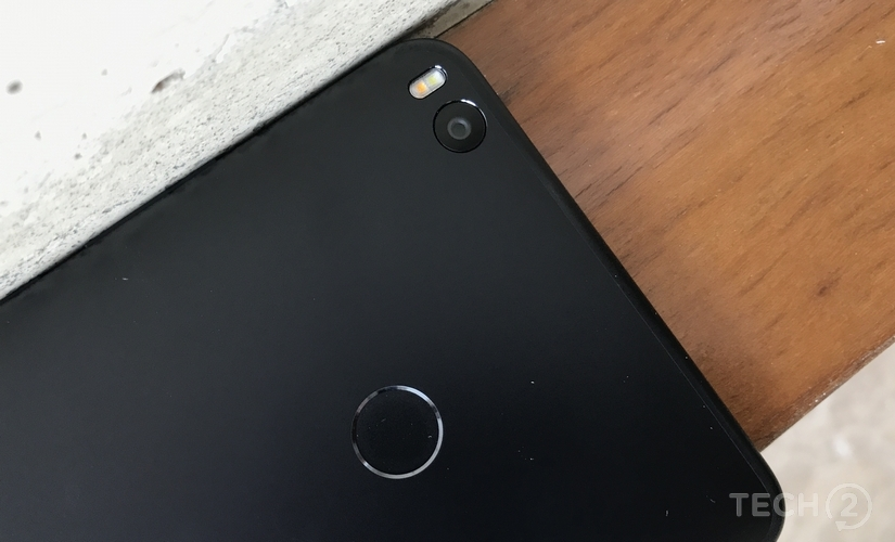 There is a 12 MP rear camera