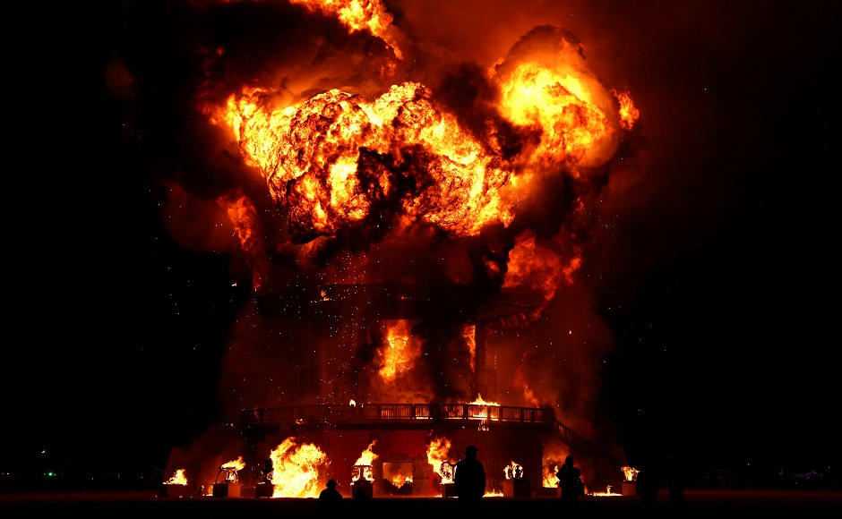Burning Man festival ends in US; one participant runs into aflame installation, dies from burns