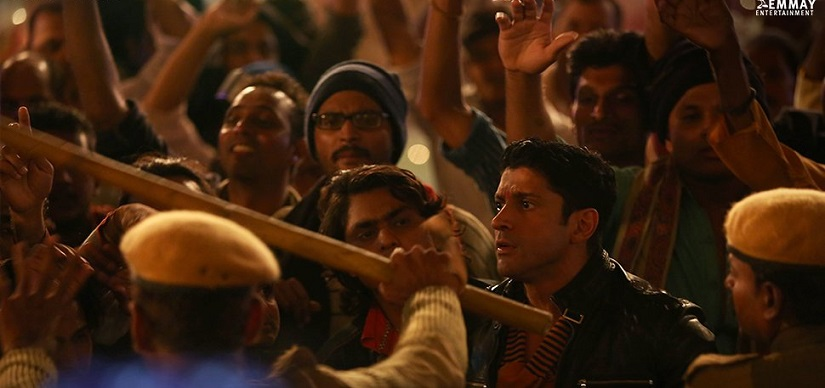 Farhan Akhtar in a still from Lucknow Central. Image from Twitter/@LucknowCentral