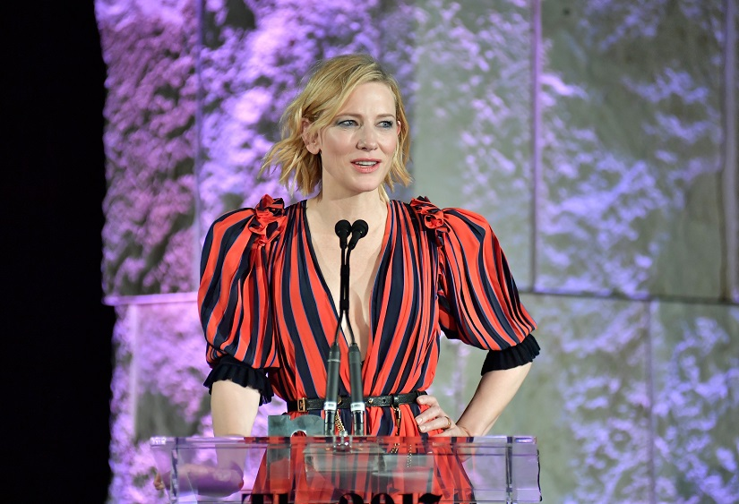 Cate Blanchett receiving the Style Icon award. Image from Getty Images.