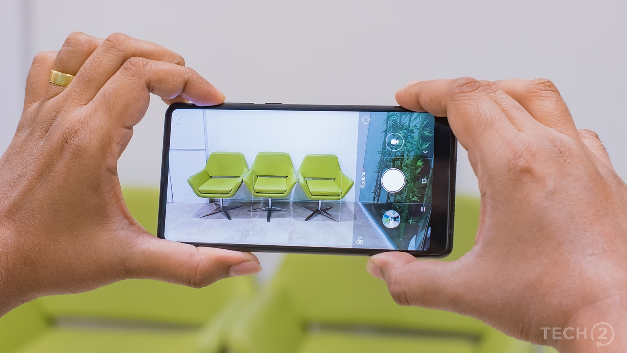 Shooting in 18:9 mode, feels like holding a black frame instead of a smartphone. Image: tech2/Rehan Hooda