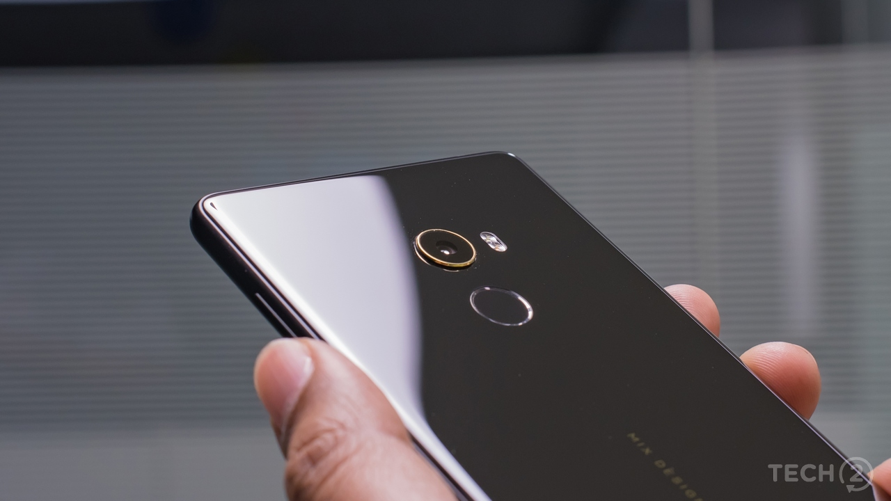While the camera looks impressive with that gold ring, it needs plenty of work in the low light shooting scenarios. Image: tech2/Rehan Hooda