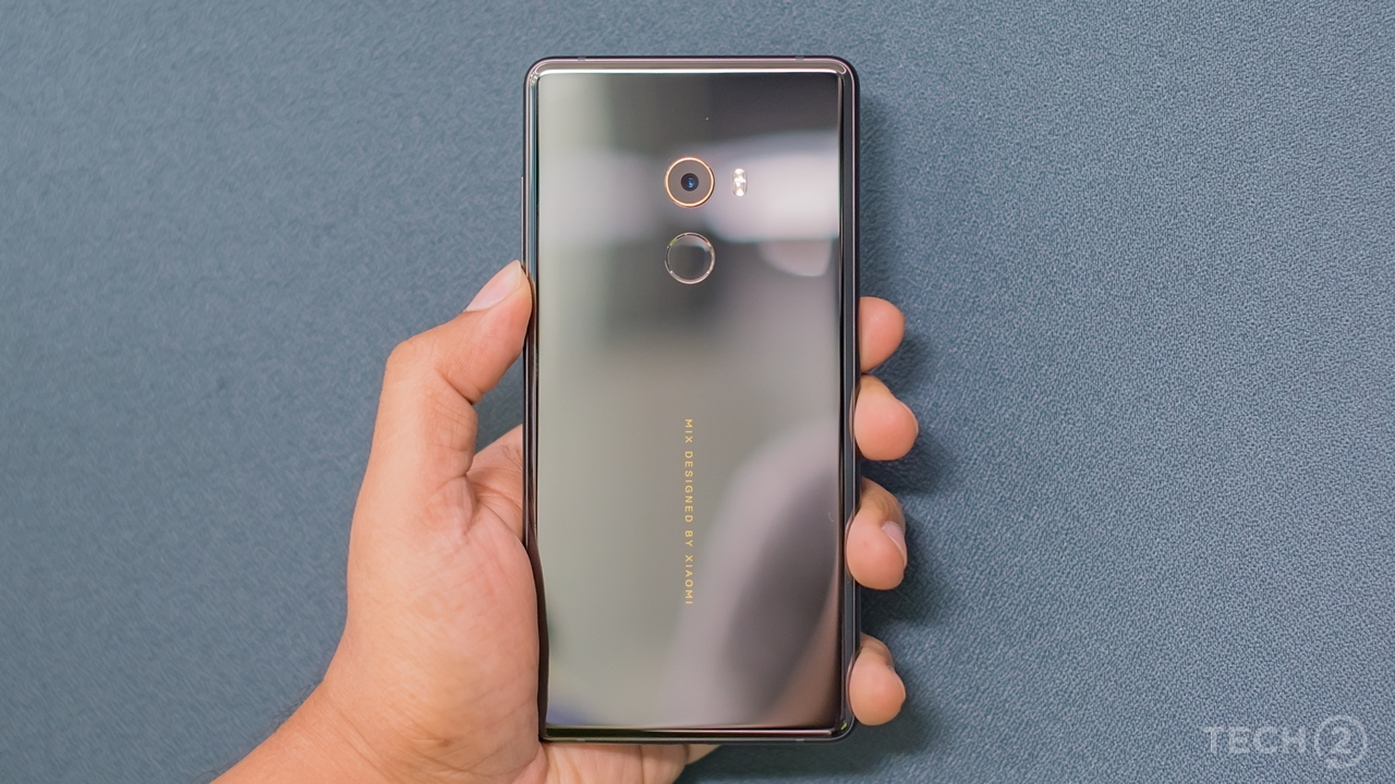 The back panel is made of scratch-proof ceramic. Image: tech2/Rehan Hooda