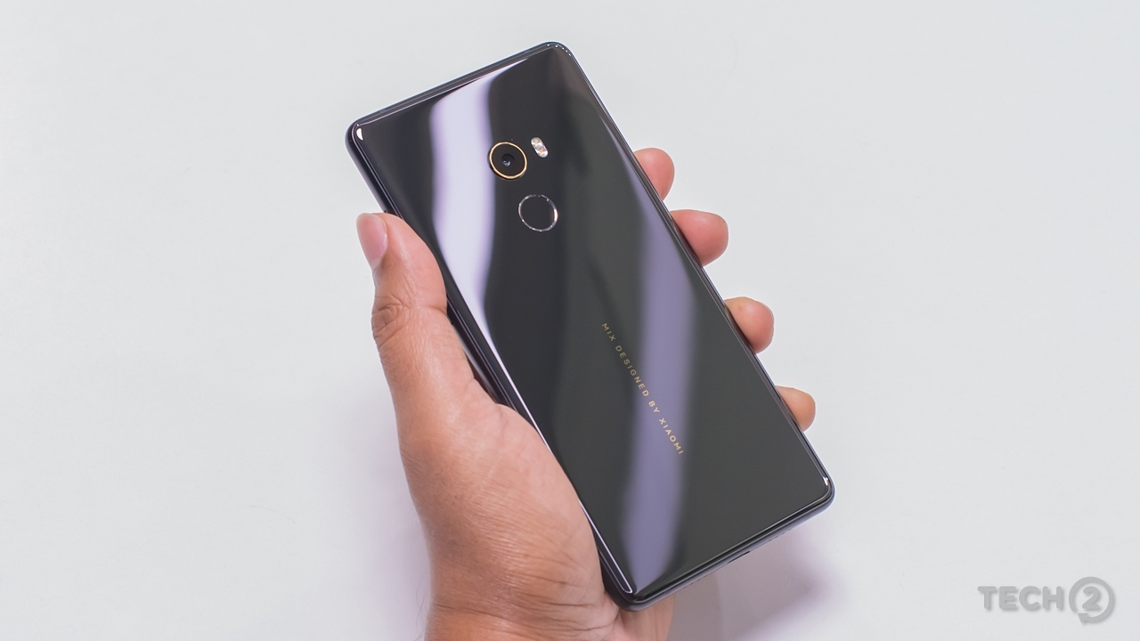 The model coming to India features a ceramic back with a metal chassis. Image: tech2/Rehan Hooda