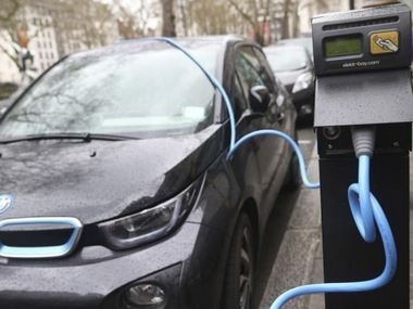 Britain to spend one billion pounds for promoting electric vehicles to meet climate change targets