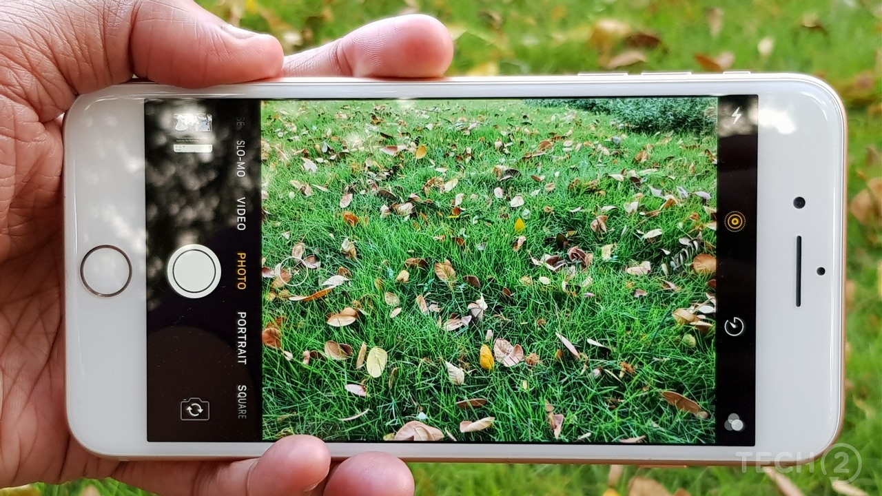 The camera user interface is as simple as it can get. Image: Nimish Sawant/tech2