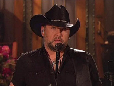 Jason Aldean honours victims of Las Vegas mass shooting with Tom Petty cover on Saturday Night Live