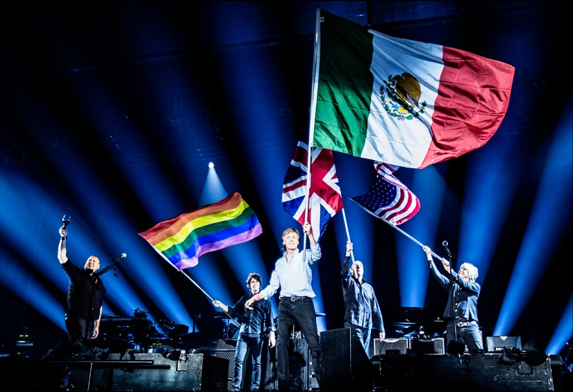 Paul McCartney performing in Mexico. Image from Twitter/@PaulMcCartney