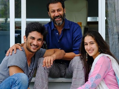 Sara Ali Khan wraps up Kedarnath shoot; SRK condoles Kundan Shah's passing: Social Media Stalkers' Guide