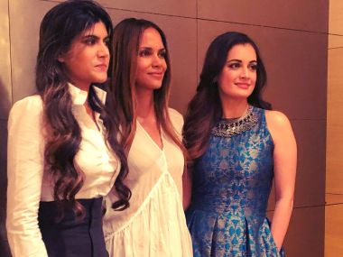 Halle Berry rubs shoulders with Dia Mirza, Ananya Birla in surprise Mumbai visit