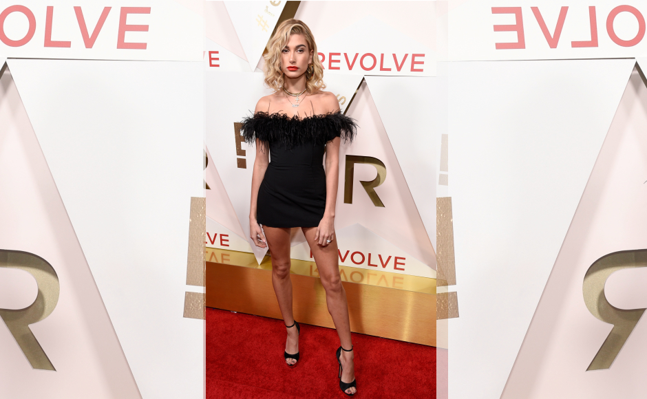 Acclaimed model Hailey Baldwin was also seen at the event in a cute LBD. Image from Getty Images.