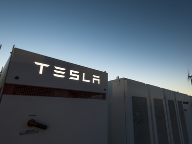 Tesla's just turned on the world's largest lithium-ion battery and it's feeding Australia's power grid