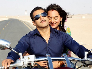 Sonakshi Sinha rubbishes rumours of fallout with Salman Khan; confirms she is part of Dabanng 3