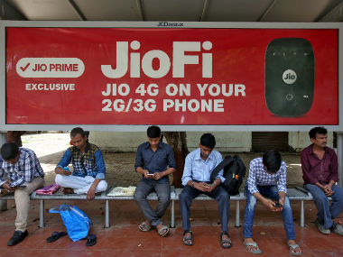 Reliance Jio is planning to bring its own VR app by 2018; to partner with Birmingham City University