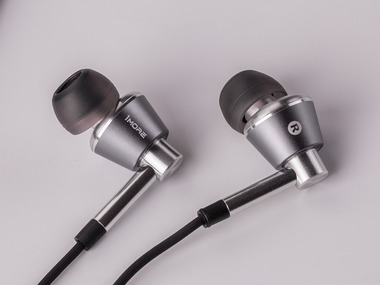 1More Triple Driver review: Superb sounding in-ear headphones with mic