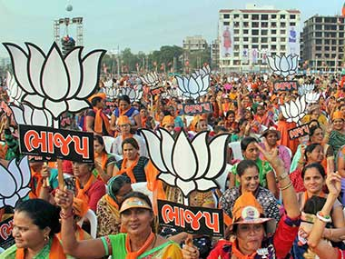 Gujarat election 2017: BJP candidate Bhushan Bhatt tells workers 'not to care about Model Code of Conduct', EC issues notice
