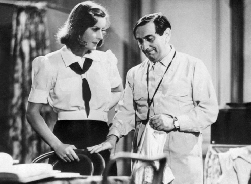 Actress Greta Garbo (L) is seen with director Ernst Lubitsch on the set of Ninotchka in 1939. Image courtesy: AFP