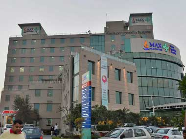 Max Hospital in Shalimar Bagh loses license: AAP govt slams BJP for questioning its decision