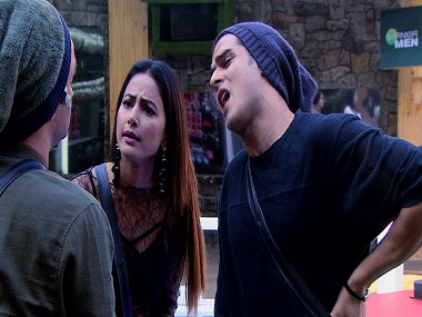 Bigg Boss 11, Episode 74, 14 December 2017: Hina sees unseen footage of Shilpa laughing, making fun of her