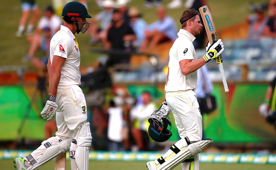 Splendid Steve Smith stands tall after England wriggle past 400 on Day 2
