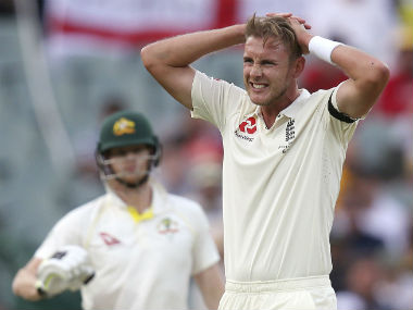 Ashes 2017-18: Australia benefit from blunt-edged England attack in Adelaide Test, but losing Steve Smith sets them back