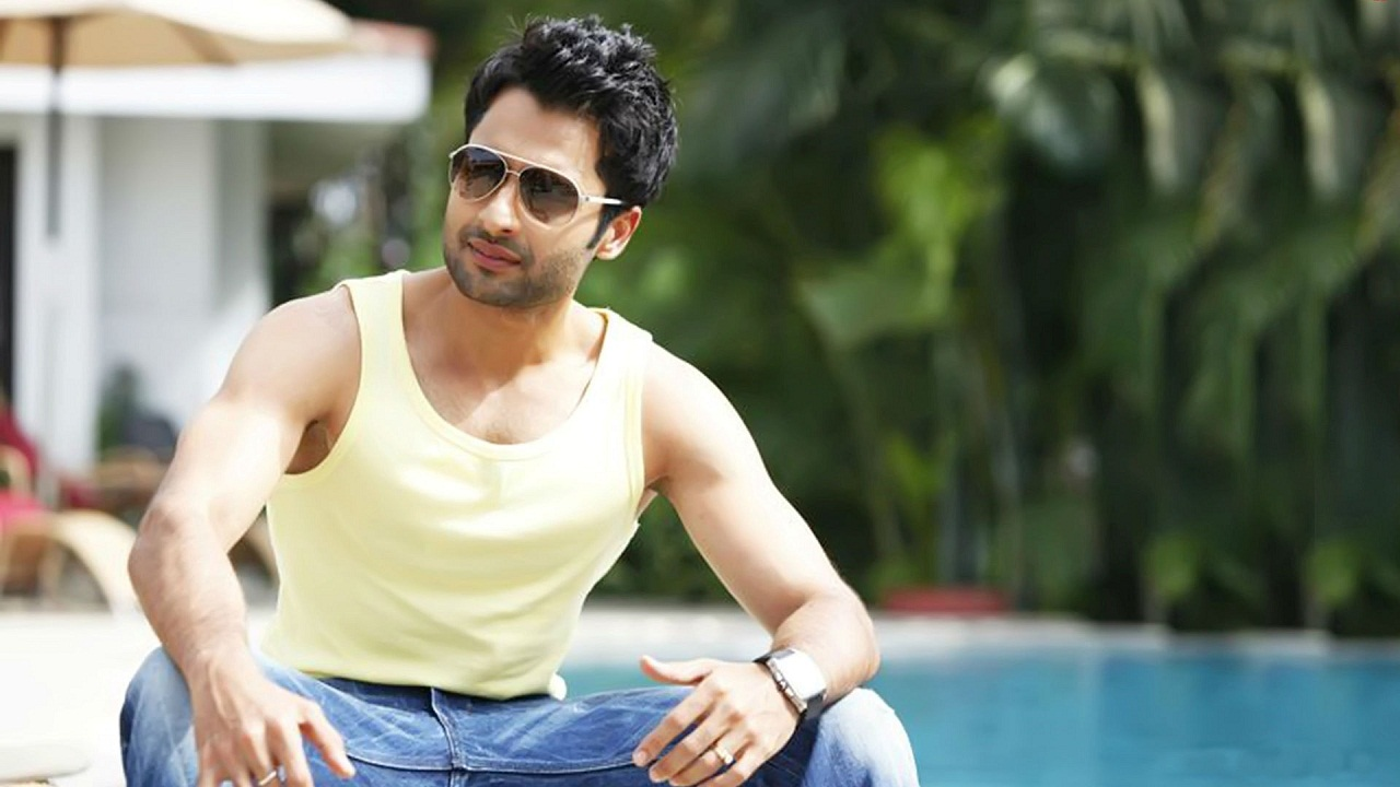 Jackky Bhagnani. YouTube