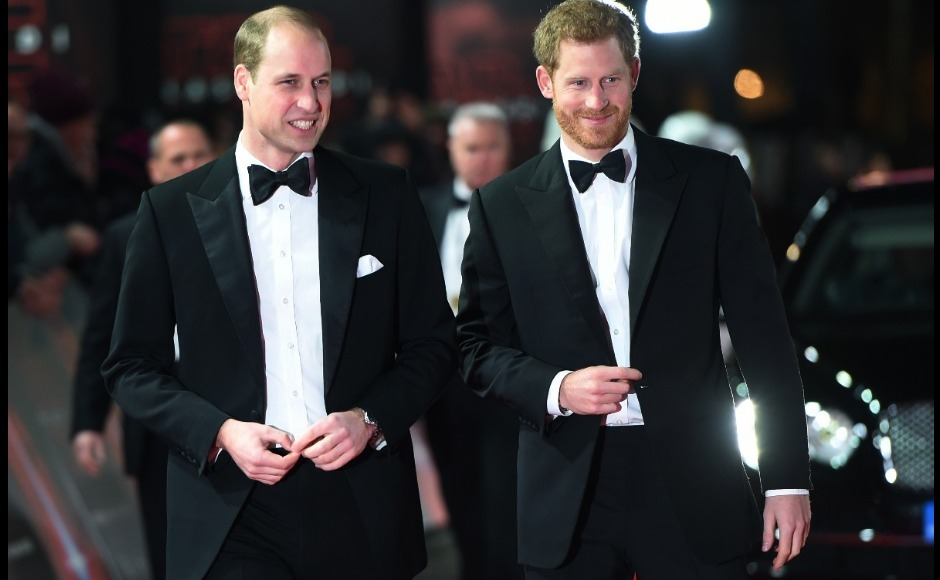 Star Wars: The Last Jedi — Prince William, Prince Harry greet cast at Britain premiere