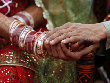 Centre offers Rs 2.5 lakh to every inter-caste marriage involving Dalit partner; removes income ceiling from 2013 law