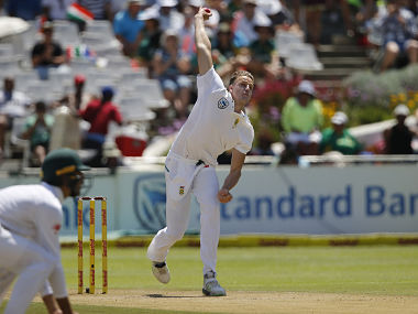 South Africa's bowler Morne Morkel delivers a ball during the second day of the first Test cricket match between South Africa and India at Newlands in Cape Town on January 6, 2018. / AFP PHOTO / MARCO LONGARI
