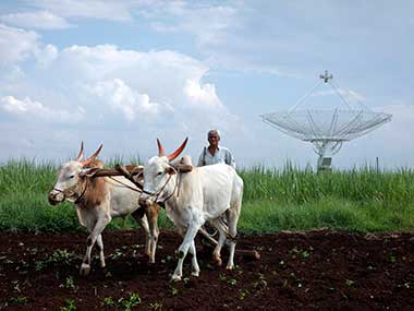 Economic Survey 201718 says climate change may cut farm income by 2025