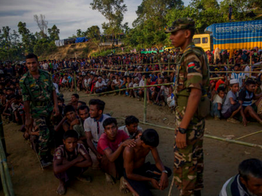 Rohingya crisis Myanmar defends deploying fresh troops on Bangladesh border cites militant movement as reason