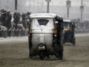 Cold wave grips parts of India Delhi continues to freeze Nagpur gets colder than Shimla Pune records coldest morning in 18 years
