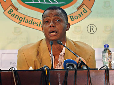 Bangladesh's newly appointed bowling coach Courtney Walsh holds a press conference in Dhaka on September 4, 2016. Former West Indies paceman Courtney Walsh said his penchant for taking the challenge has prompted him to accept the job of specialist bowling coach with the Bangladesh team. / AFP PHOTO / -