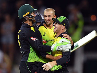 Ashton Agar ng their Twenty20 cricket match at Bellerive Oval in Hobart on February 7, 2018. / AFP PHOTO / WILLIAM WEST / --IMAGE RESTRICTED TO EDITORIAL USE - STRICTLY NO COMMERCIAL USE--
