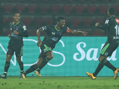 ISL 201718 Delhi Dynamos prevail over NorthEast United FC thanks to Kalu Uches late winner