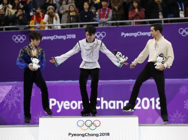 Winter Olympics 2018 Yuzuru Hanyu defends figure skating gold Nathan Chen makes history with sixquad routine