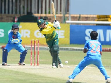 South Africa chases down 133 in the third T20I against India with an over to spare. Image courtesy: Twitter @OfficialCSA