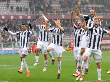 Serie A title hangs in balance as leaders Juventus host secondplace Napoli in critical clash Roma travel to SPAL