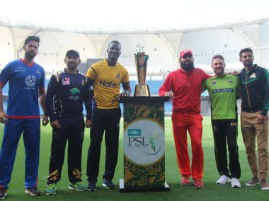 The six captains pose with the winner's trophy. Image credit: Official Facebook page of Pakistan Super League