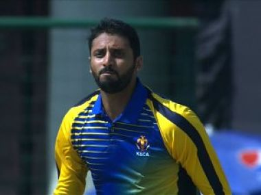 Karnataka's Sreenath Aravind announced his retirement from first-class cricket after his side won the Vijay Hazare Trophy. Image courtesy: Twitter @BCCIDomestic