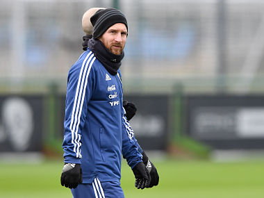 Lionel Messi joins Argentinas training session at Manchester City ahead of World Cup warmup against Italy