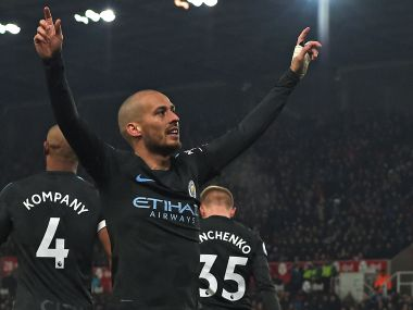 Premier League Manchester City move one step closer to title after David Silva masterclass against Stoke City