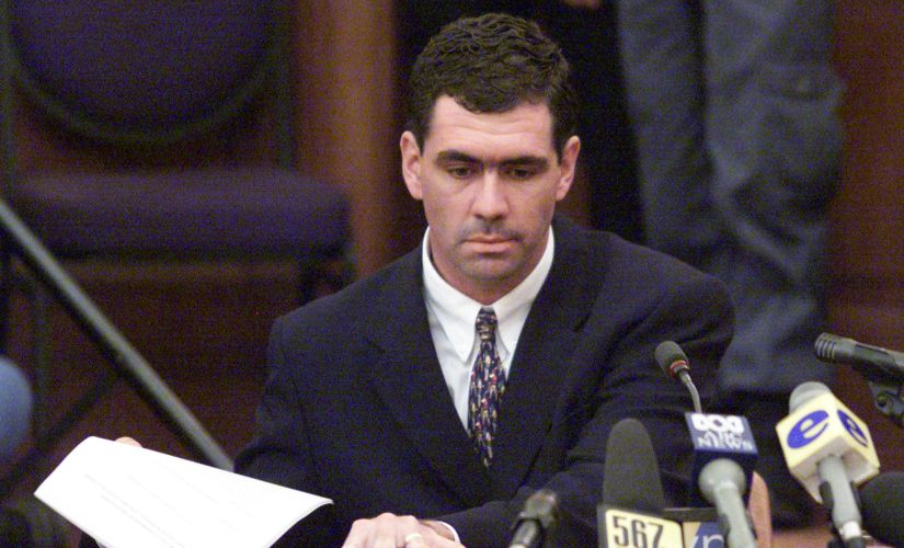 South Africa's Hansie Cronje waits to testify at the King Commission of Inquiry into allegations of match fixing, on 15 June, 2000. Reuters/ File