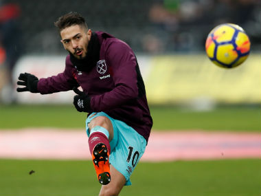 Premier League Manuel Lanzini to undergo surgery after fracturing collarbone against Burnley expected to return only next year