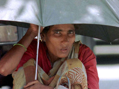 Mumbai records second highest temperature in March in a decade on Sunday as mercury soars to 41 degrees Celsius