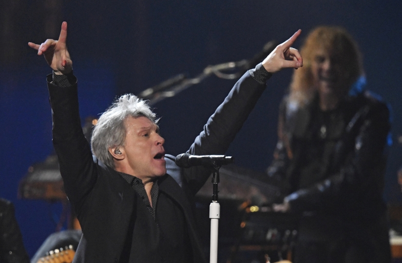 Bon Jovi inducted into Rock  Roll Hall of Fame band celebrates with powerful performance