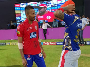 Mumbai Indians' Hardik Pandya (L) and KL Rahul swapped shirts after the two sides met at the Wankhede stadium. Image Courtesy: Twitter/@IPL