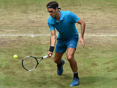 Halle Open Roger Federer stays on course to lift 10th title beats Matt Ebden to reach semifinals