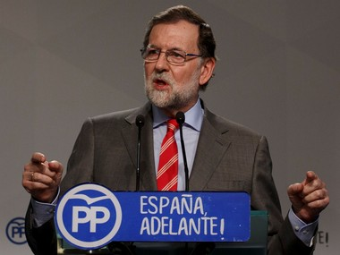 Spanish PM Mariano Rajoy admits defeat ahead of noconfidence vote archrival Pedro Sanchez to take over